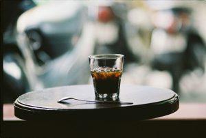 Thưởng thức một ly cà phê ngon