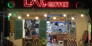 Lắc Coffee – Phong cách thưởng thức cafe thời hiện đại